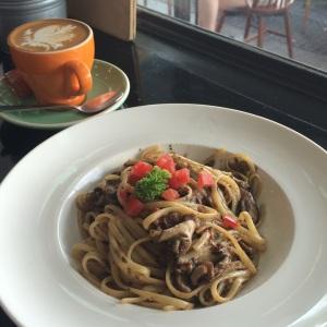 Lunch @ Habitat Coffee